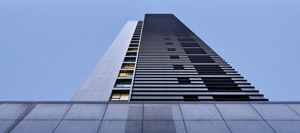 互联网长租公寓的秘与空